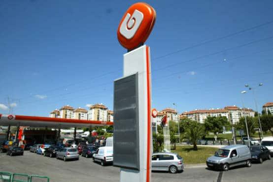 http://luzportugal.com/wp-content/uploads/2011/05/Petrol-Station.jpg