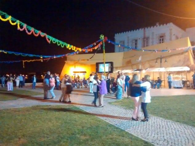 Festas-dos-Santos